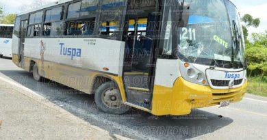 Agreden a conductor y dañan autobús
