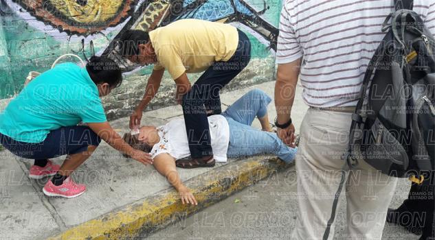 Cae sexagenaria en la calle Unión de la Lázaro Cárdenas
