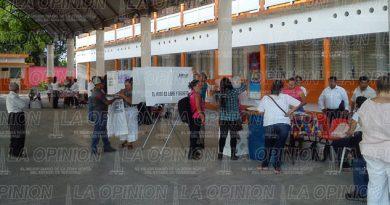 Ciudadanos alamenses comienzan a llegar para emitir su voto