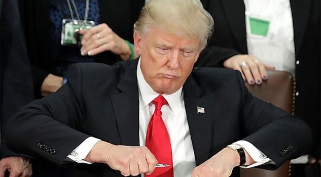 Disminuye el patrimonio de Donald Trump