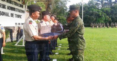 Entregan uniformes al personal de tropas del 39/o batallón de infantería