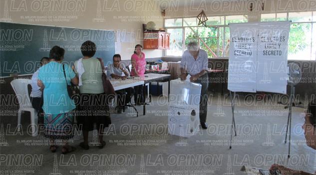Inician las votaciones en Gutiérrez Zamora