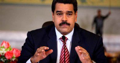 Maduro activa defensa aérea tras ataque de helicóptero