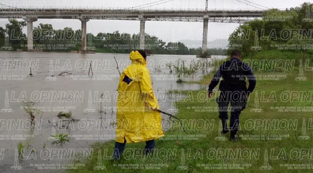 Movilizan por presunto derrame de crudo en El Remolino