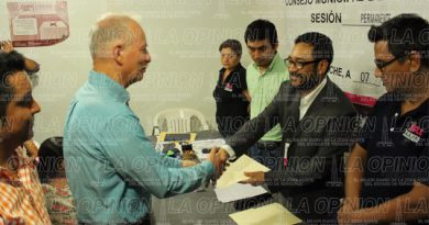 OPLE entrega constancia de mayoría a Jorge Vera Hernández