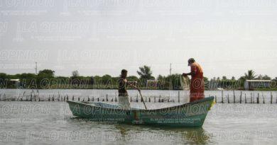 Pescadores a la espera de finalización de veda