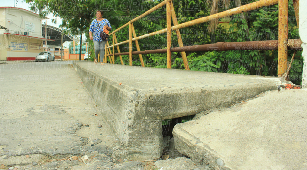 Puente a punto de caer