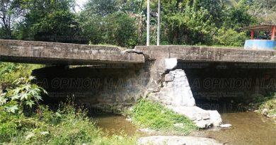 Puente a punto de derrumbarse