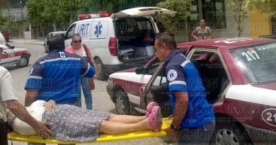 Renault impacta a taxi