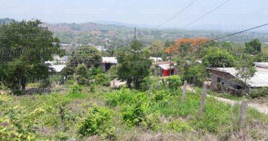 Revenden terrenos en Lomas Verdes