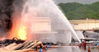 Un muerto por incendio en Salina Cruz; Pemex