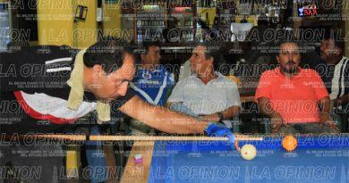 Vicencio gana en torneo de Carambola 3 Bandas