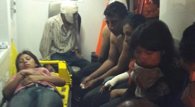 Vuelca autobús con 40 personas a bordo en Las Choapas