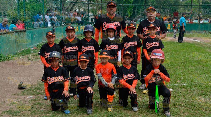 Cuervos campeón en 7-8 años