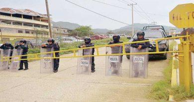 Cesan a director de penal de Acapulco