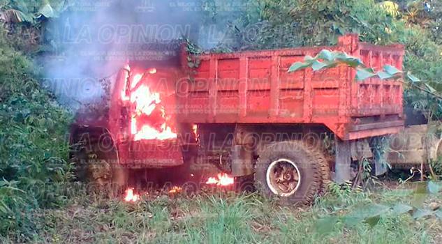 Camión Arde Llamas