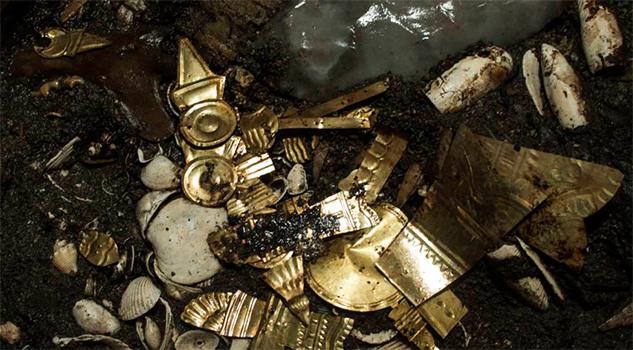 El lobo, el trono de Heredia y las piezas de oro una historia de equilibrismo en México