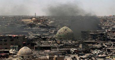 El primer ministro de Iraq canta victoria en Mosul, pero reportan resistencia de ISIS
