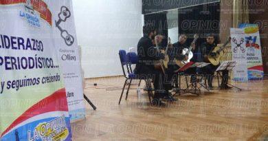 Inicia el concierto La guitarra sinfónica