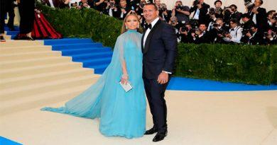Jennifer Lopez celebra su cumpleaños 48 con Alex Rodríguez