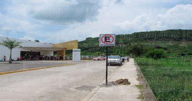 Queda prohibido estacionarse frente al hospital general de Álamo