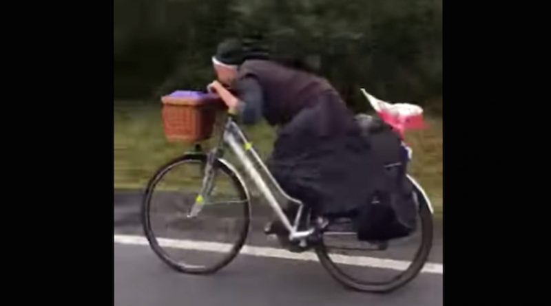 """Sor bicicleta"" es captada a toda velocidad en España"