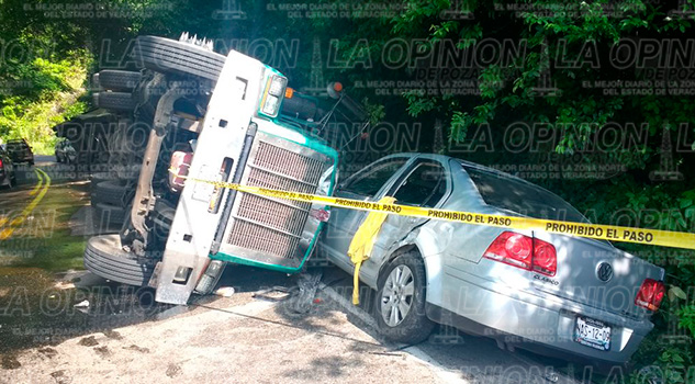 Tráiler Automóvil Accidente Carretera Federal
