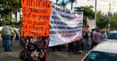 miembros del grupo Solidaridad AC se manifiestan