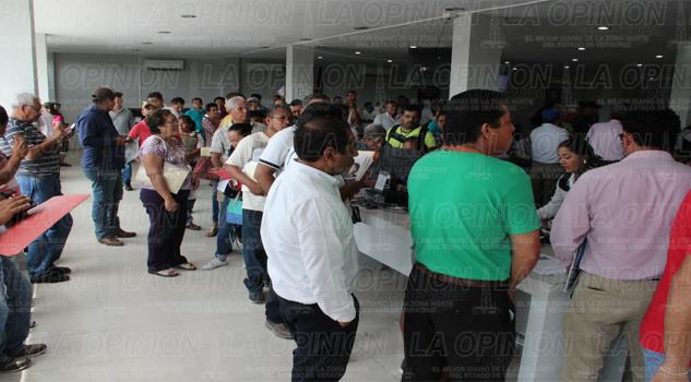 S lo el 25 de taxistas acude al reordenamiento la for Oficina empadronamiento