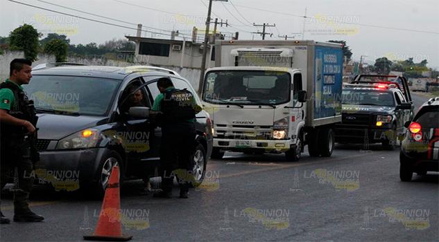 Choque por alcance en la carretera Poza Rica, Ma. De la Torre, tramo Coatzintla.1