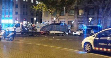 Confirman identidad de conductor de camioneta de atentado en Barcelona