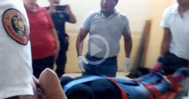 Joven mujer sufre aborto en los baños del Palacio Municipal en Papantla.