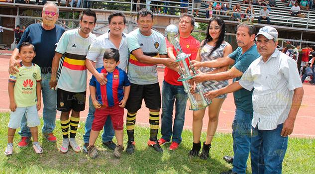 Fecha de inauguraci n de la liga municipal petrolera la for Liga municipal marca