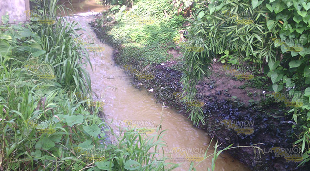 Pánico por olor a aceite y gas en Cerro Azul