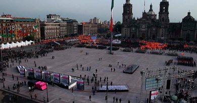 Reinauguran Zócalo Ciudad México
