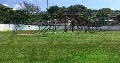 Retiran la pirámide del campo Anáhuac