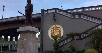 Roban Placa Estatua Veracruz