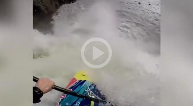 Salto Kayak Cascada