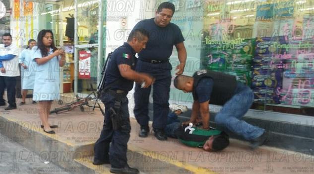 Echan a la basura el trabajo de la policía municipal   La