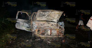 Álamo Incendio Reduce Camioneta Chatarra