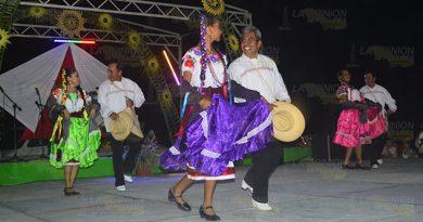Alistan festival del huapango 1