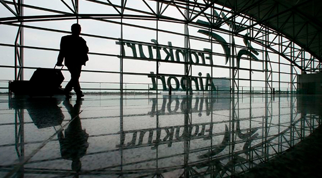 Apagón en sistemas de aeropuertos del mundo fueron causados por una falla tecnológica