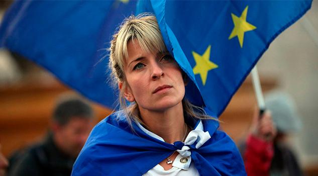 Ciudadanos europeos exigen sus derechos en una protesta en Londres