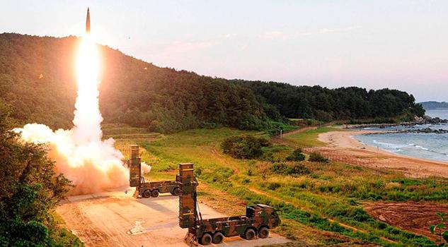 Corea del Sur responde al Norte con ejercicios con misiles balísticos