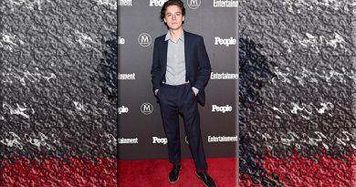 Cuidado Brooklyn Beckham… ¡Cole Sprouse es tu nueva competencia!