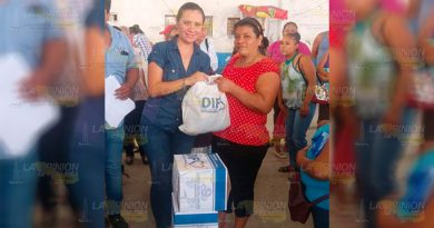 Distribuyen Apoyos Dif Municipal
