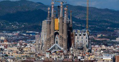 La policía catalana acordona la Sagrada Familia operativo comprobó que fue falsa alarma