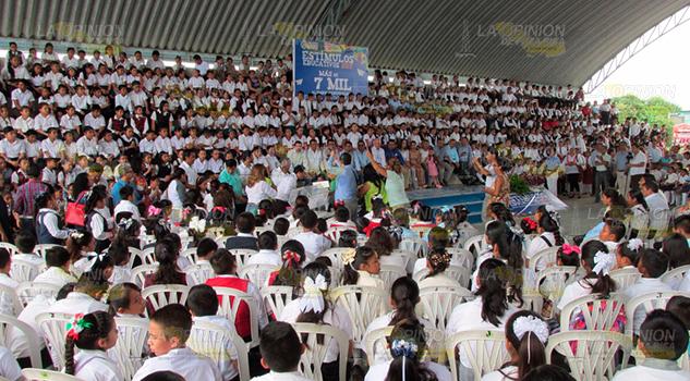 Más de dos mil alumnos1