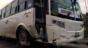 Percance Autobús Automóvil