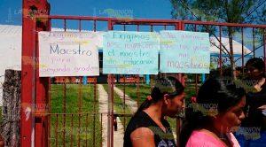 Padres Familia toman Escuela Primaria